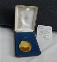 The 18KT Gold Comet Kohoutek Eyewitness Pendant    (Franklin Mint, 1974)